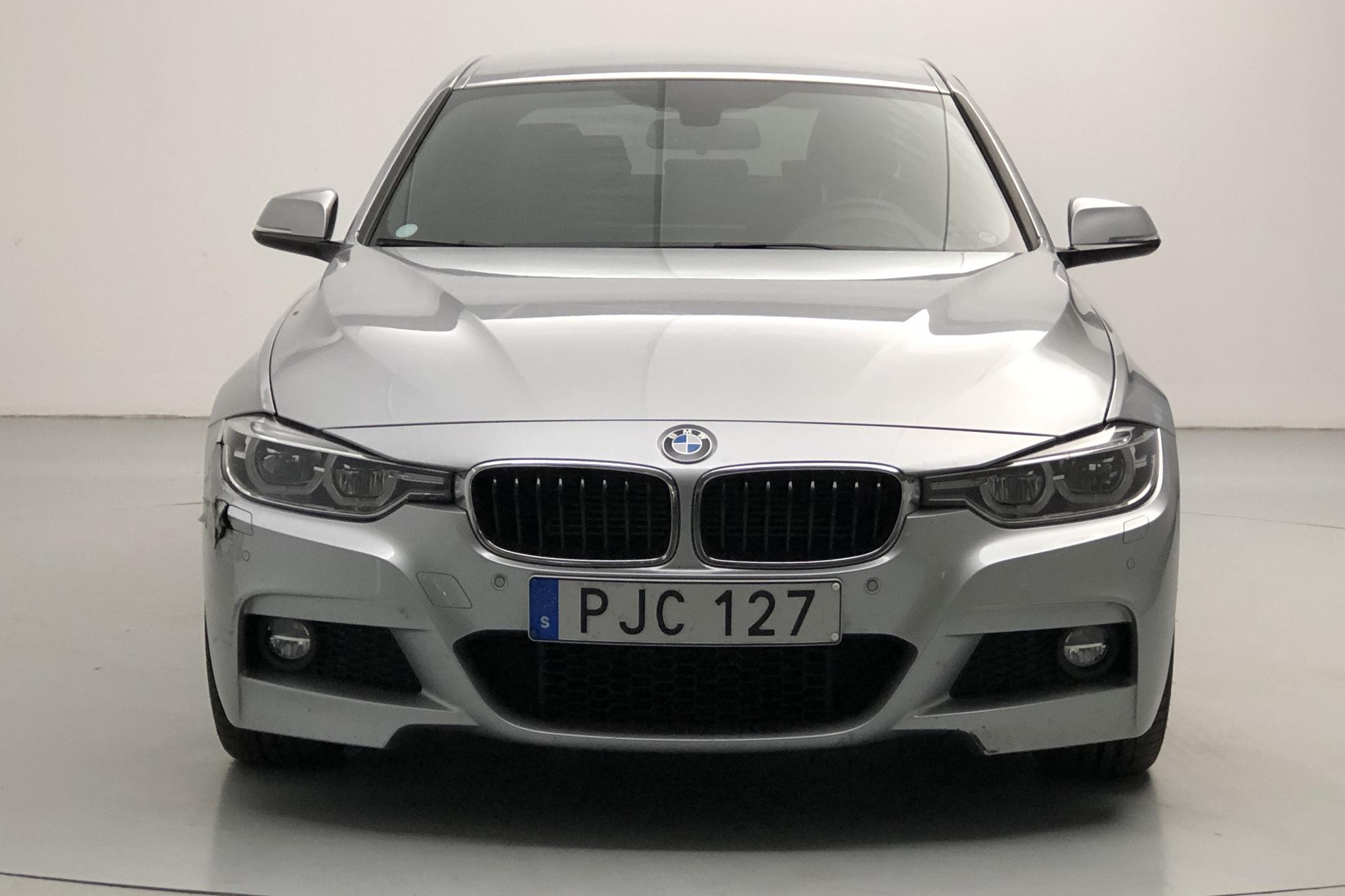 BMW 330e Sedan, F30 (252hk) - 3 853 mil - Automat - silver - 2018