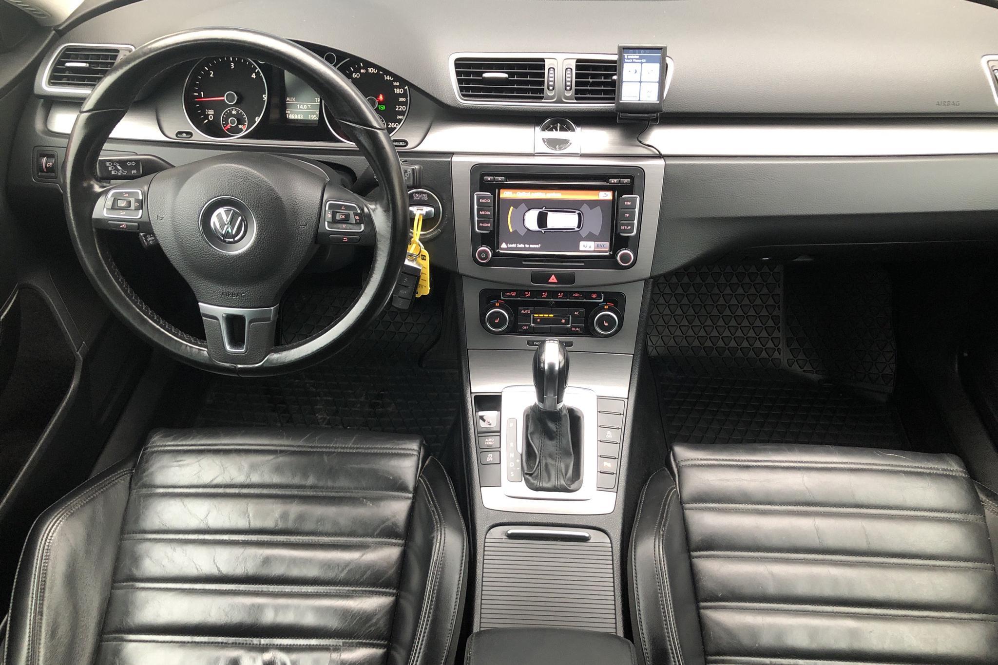 VW Passat 2.0 TDI BlueMotion Technology Variant (170hk) - 146 950 km - Automatic - white - 2012